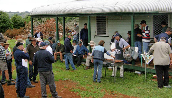 MPC growers enjoying a BBQ lunch at the end of the field day