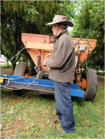 Lance with his modified Wallaby spreader